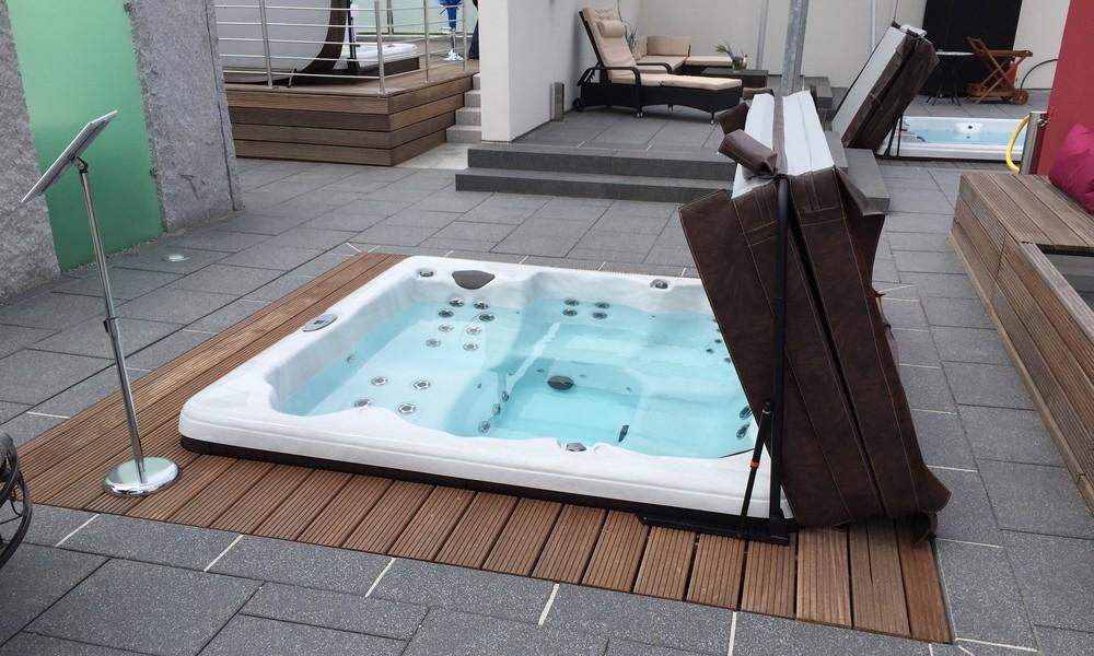 Jacuzzi-spa-de-nage-réalisation-1