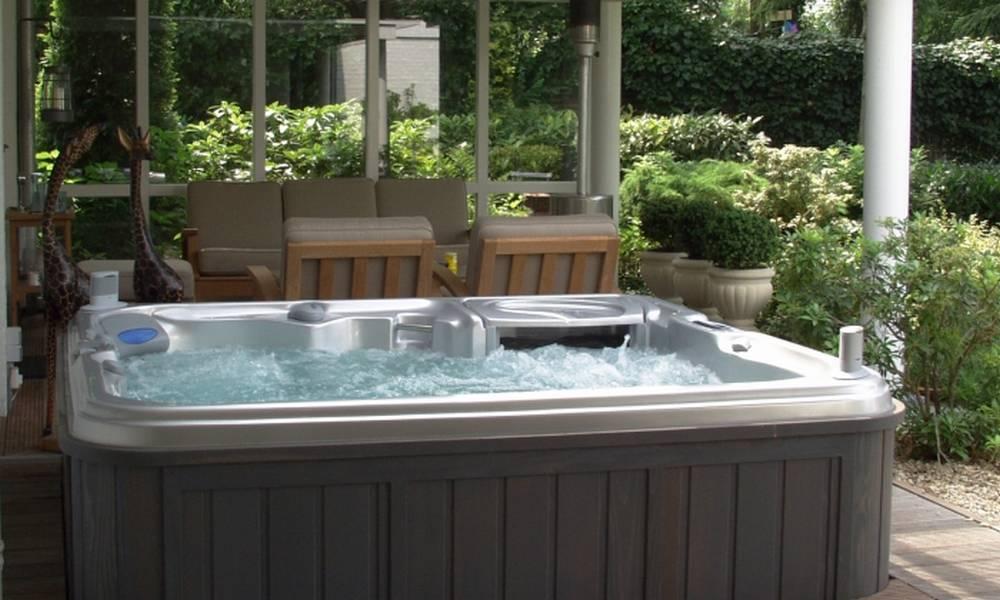 Le spa de nage pour garder la forme - Jacuzzi de nage exterieur ...