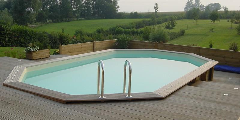 la piscine en bois naturellement int gr e votre jardin. Black Bedroom Furniture Sets. Home Design Ideas