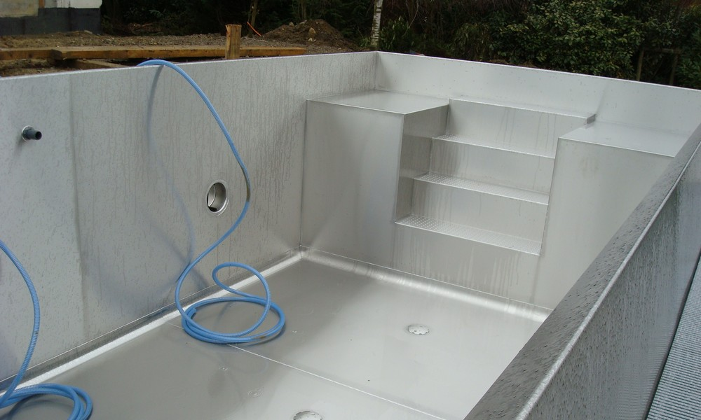 piscine en inox l 39 originalit sur mesure. Black Bedroom Furniture Sets. Home Design Ideas